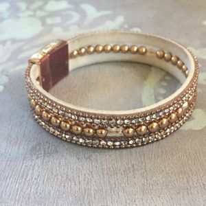 Pearl, crystal and leather bracelet